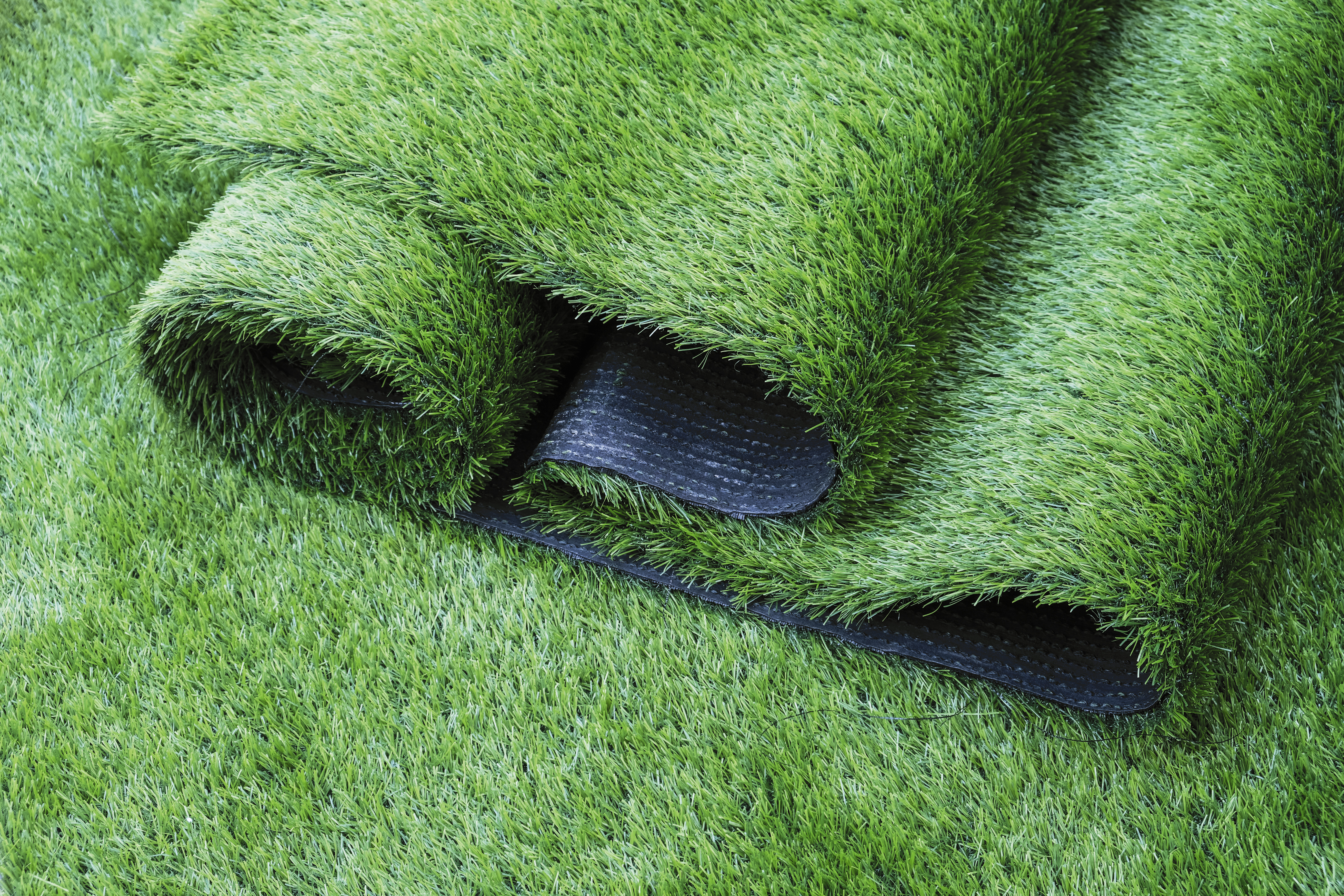 Send your artificial grass lawn domestically or internationally